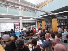 Fotografia presentació Guia de Recursos biblioteca Canet 2017